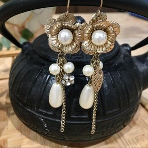 Roses and pearl gold dangle earrings. Unique